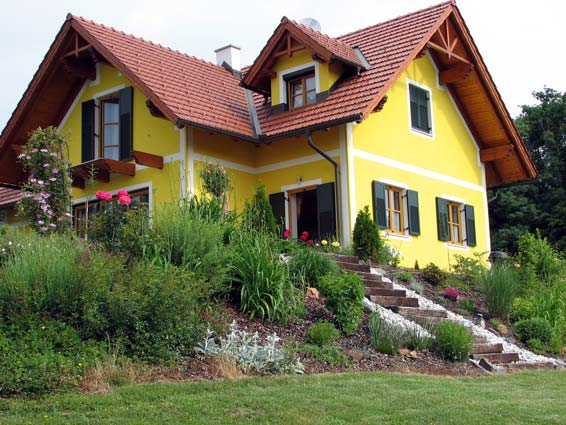 Minneapolis exterior painting photo gallery minneapolis - Yellow house with green roof ...